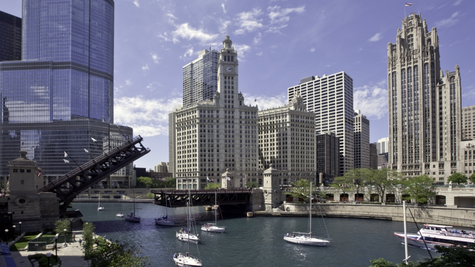 IL CHI_Bridge and skyline